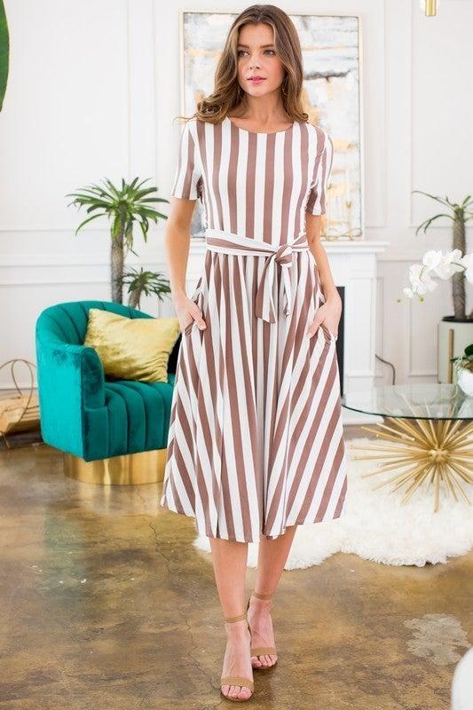 VERTICAL STRIPE LINE FLARED DRESS