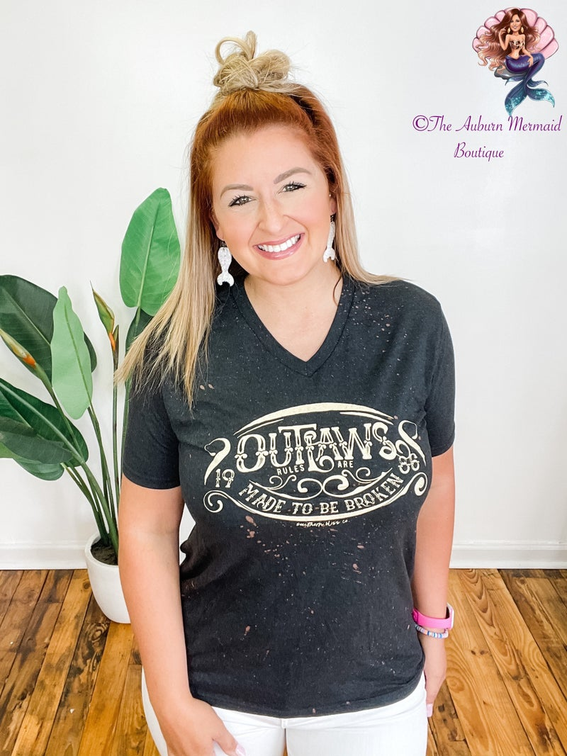 Outlaws Tee