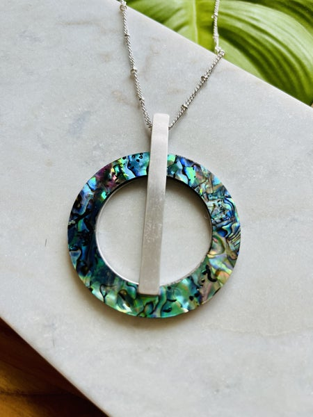 Abalone Circle Design Necklace