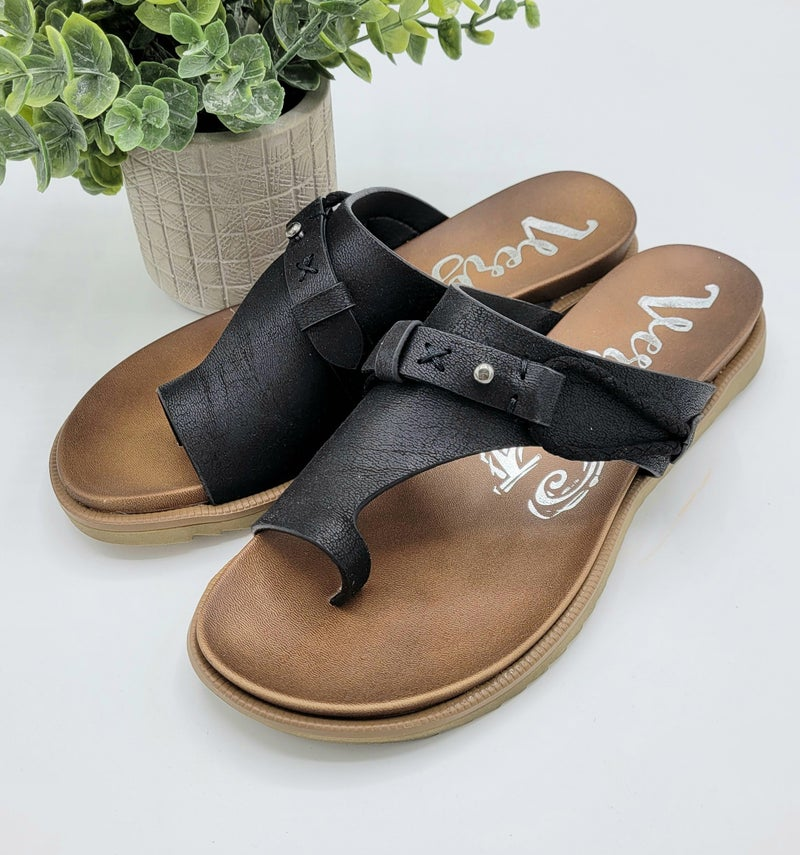 Let's Get it Going Very G Sandals