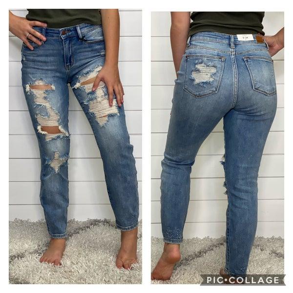 Light Wash Destroyed Boyfriend Judy Blue Jeans