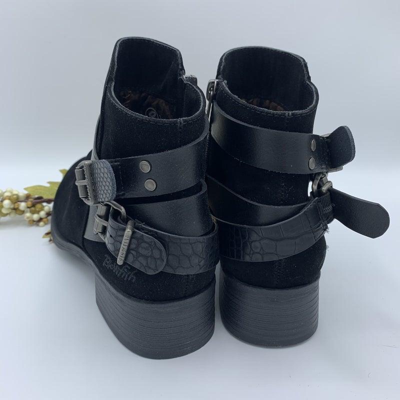 Black Buckle Blowfish Booties