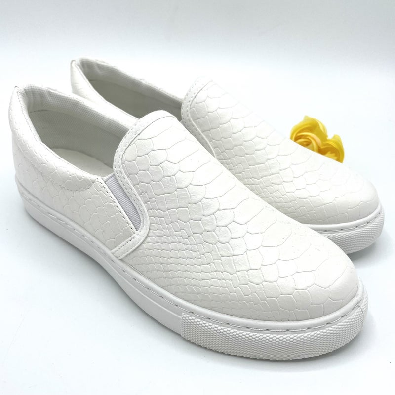 Walk My Way Sneaker
