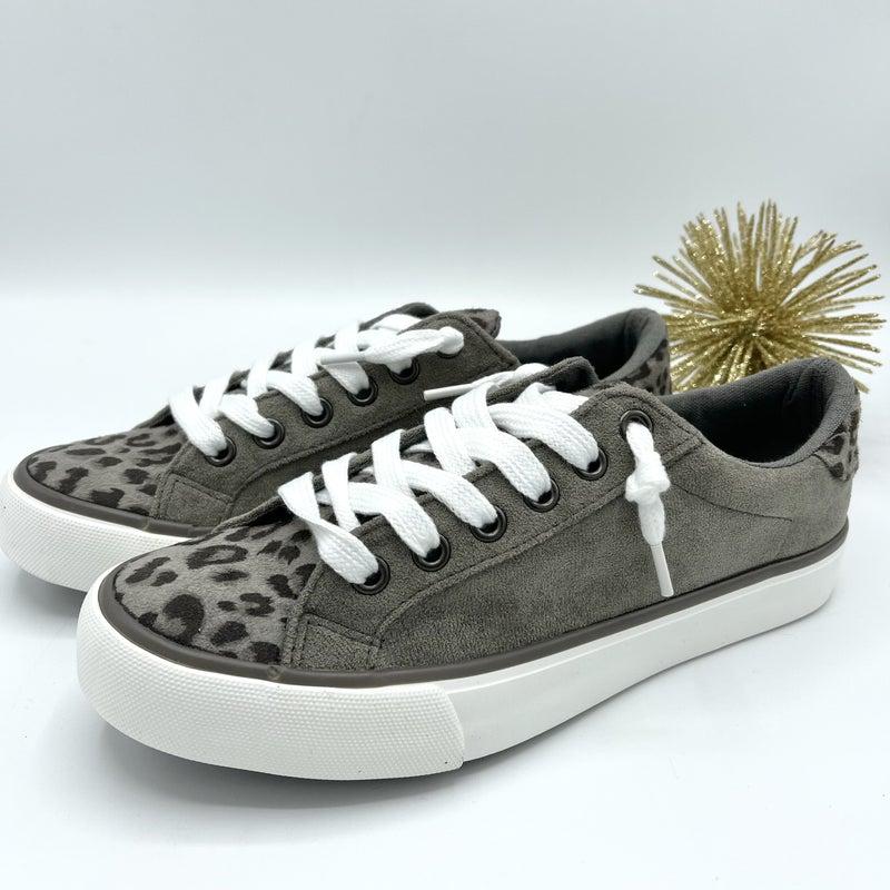 Walking Wild Very G Sneakers