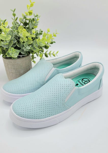 Summer Trips Sneakers