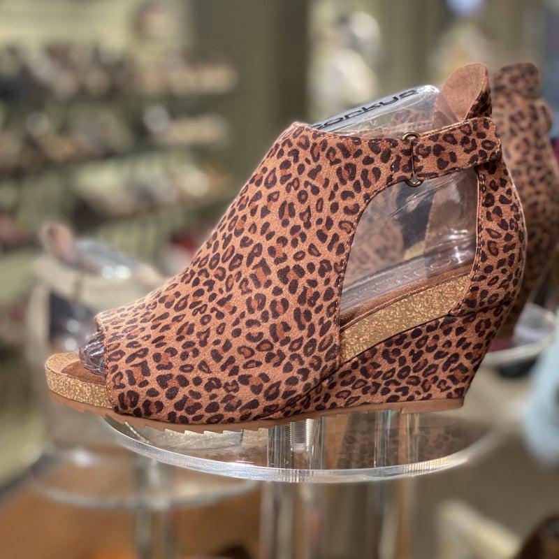 Rockin that Leopard Wedges