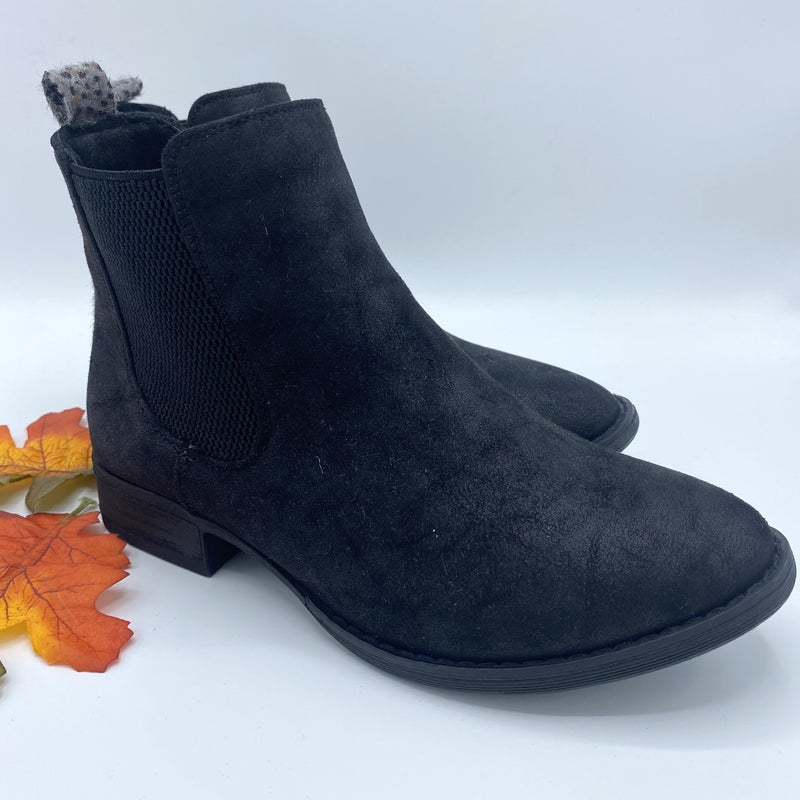 Walk In My Boots - Very G