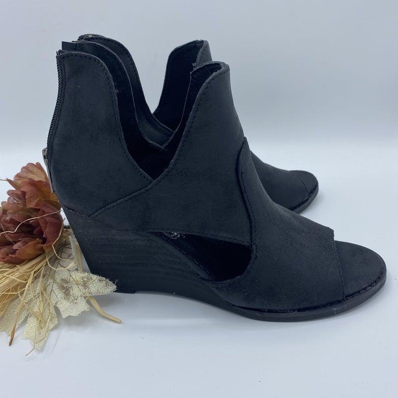 Sweet Little Black Heels