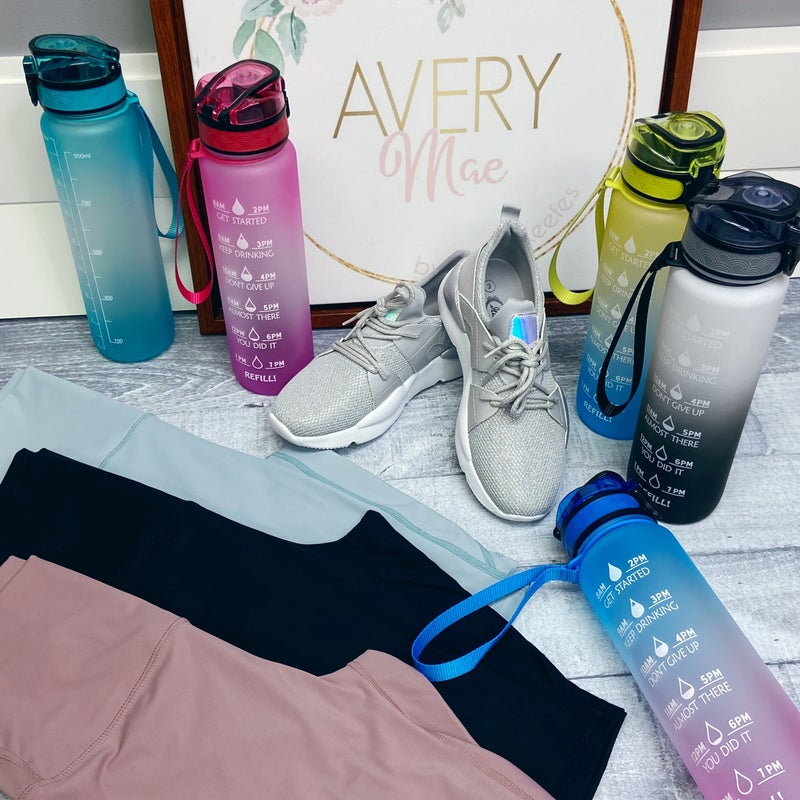 Daily Goals 32oz Water Bottle - 5 colors!