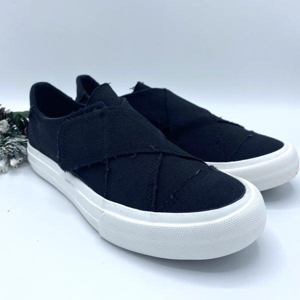 Black Hem Very G Sneaker