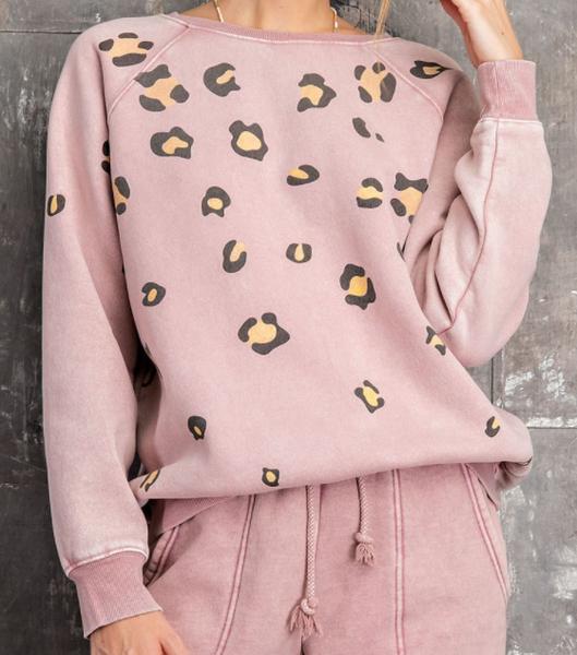 Vintage Leopard Pullover