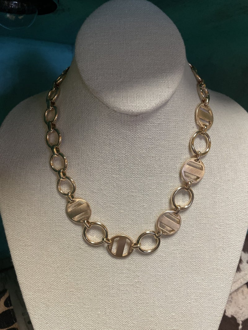 Circle Round Necklace e