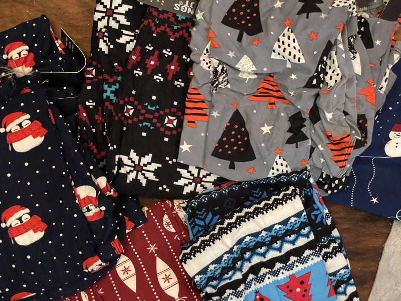 Christmas leggings final sale
