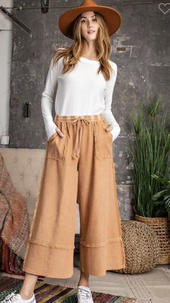 Wide Legged Crop Pants