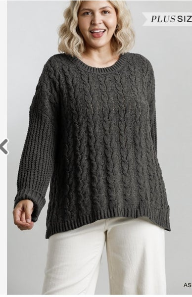 Curvy Cable knit Sweater