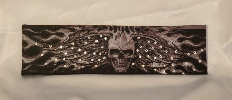 Wing Skull with Black and Diamond Clear Swarovski Crystals (Sku1580)