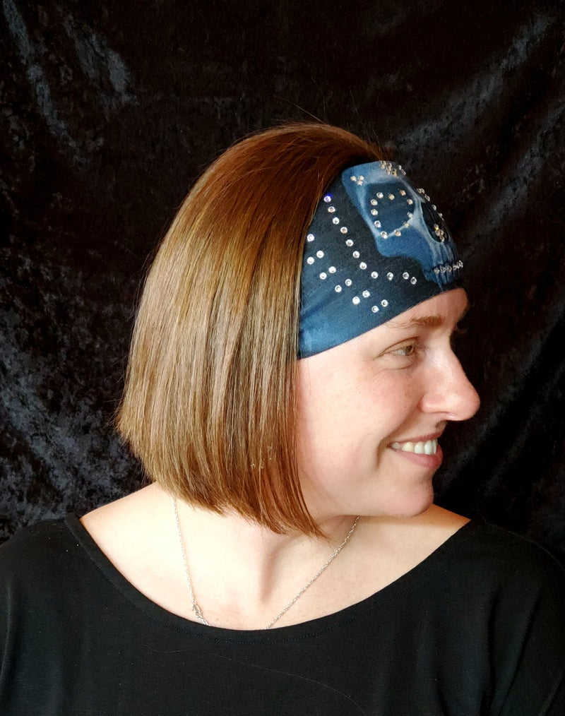Stretchy Black with Large Skull Headband with Clear Crystals (Sku5021)