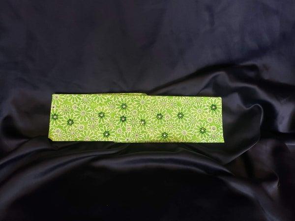 Green Daisy with Dark Green and Diamond Clear Swarovski Crystals (Sku1107)