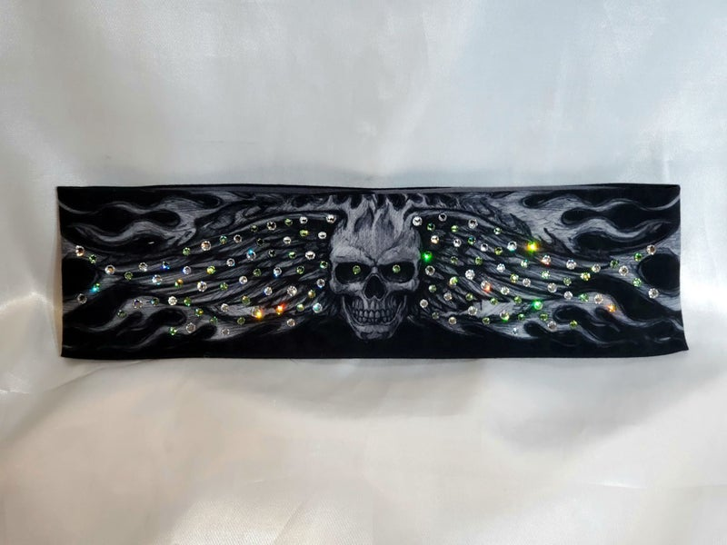 Wing Skull with Light Green and Diamond Clear Swarovski Crystals (Sku1579)