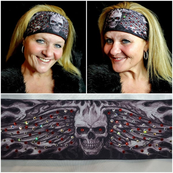 Wing Skull with Red and Diamond Clear Swarovski Crystals (Sku1575)