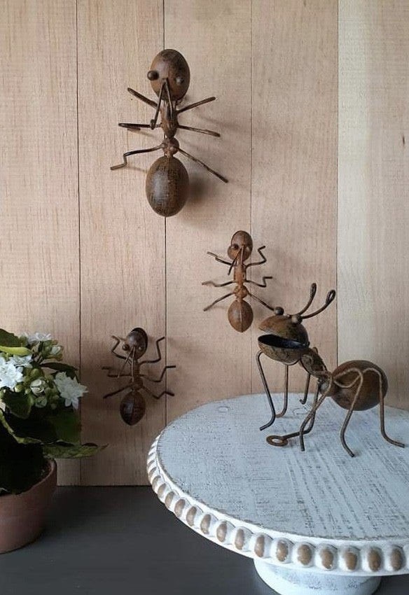 Andy and Millie Metal Ant Wall Decor