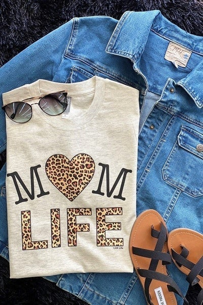 Graphic Tee ~  Mom Life