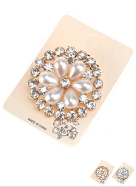 Floral Pin ~ Miss Daisy