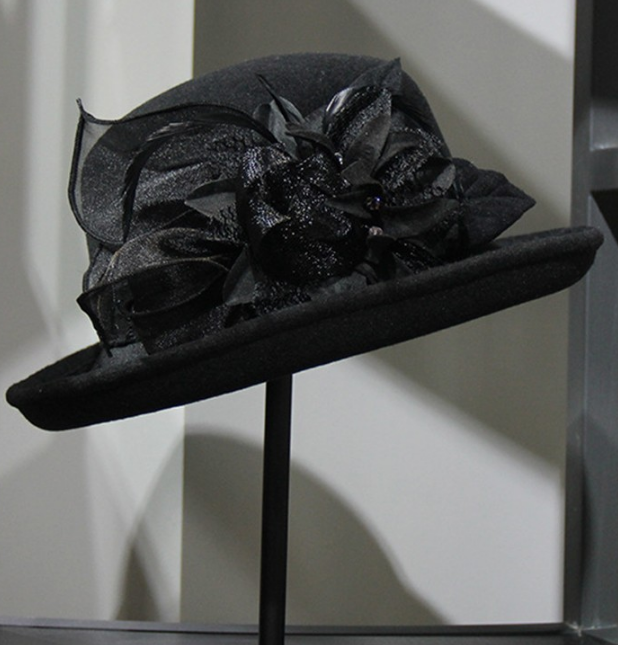 Hat ~ Lucy