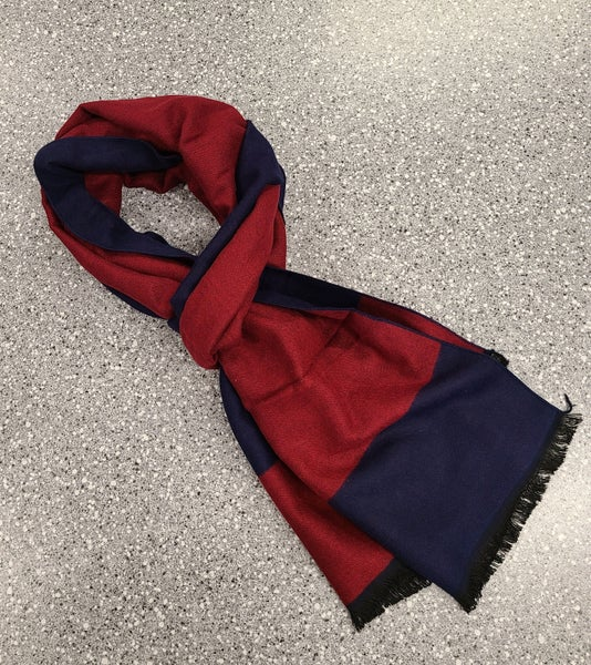 Serica 100% Wool/Laine Scarf - Navy/Red