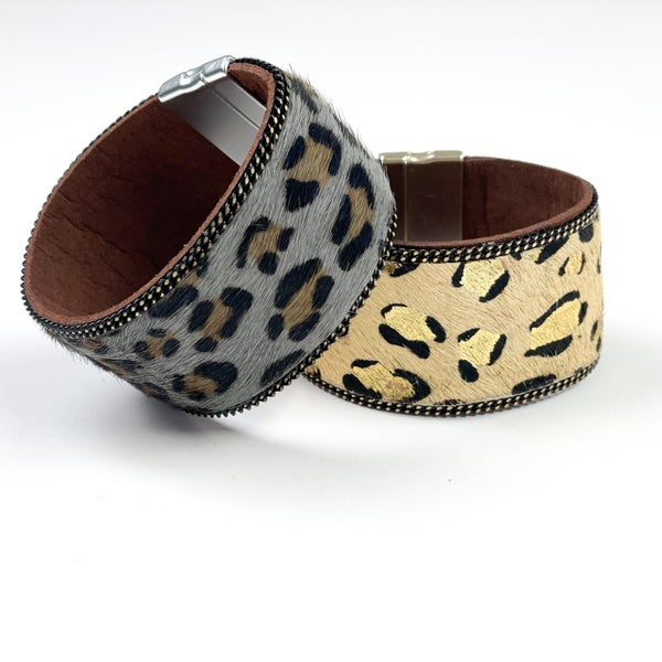 Cheetah Magnetic Cuff Bracelet : 2 Colors