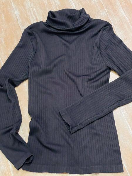 Black Ribbed Polo Neckline Stretchy Light Knit Pullover