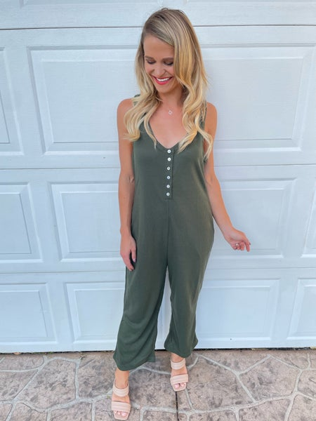 Movement Green Pocketed Sleeveless Comfy Jumpsuit