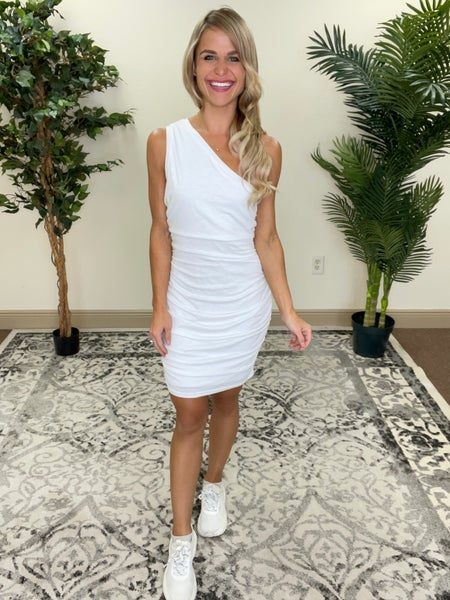 Chic White One Shoulder Flattering Dress