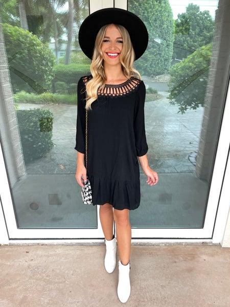 Black Cutout Lace Trimmed Quarter Sleeve Dress | Pockets