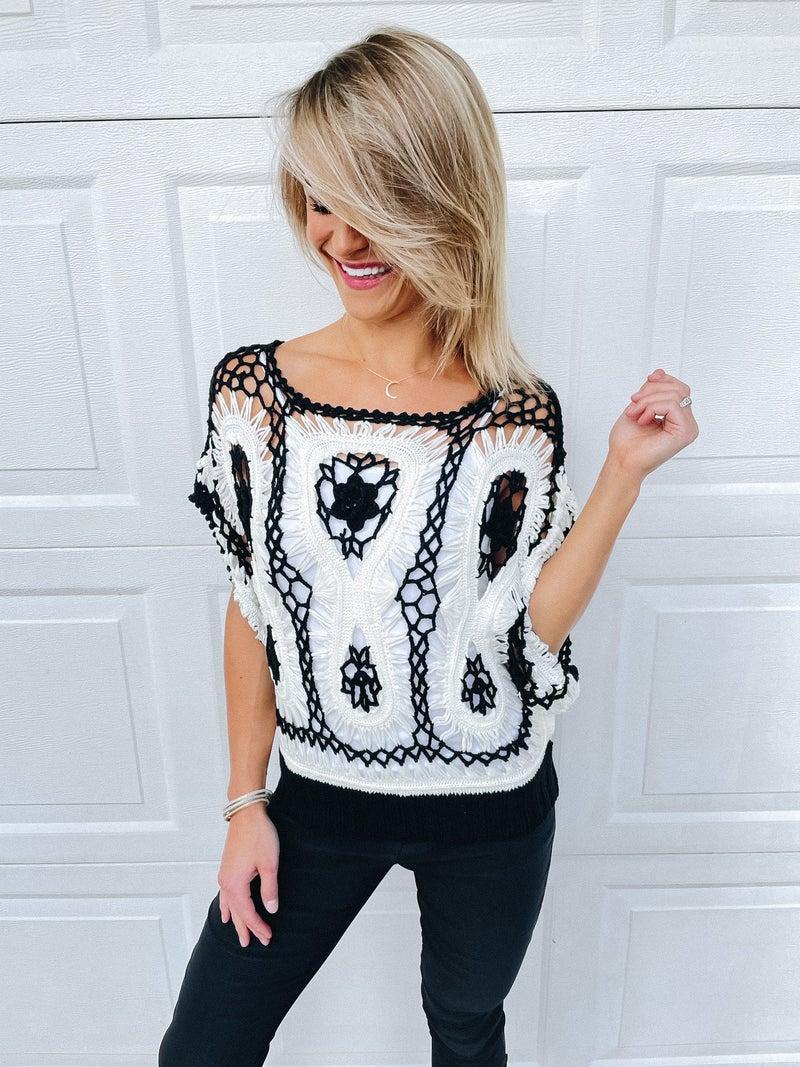 BESTSELLER! Noir & Blanc Bohemian Crochet Knit Top
