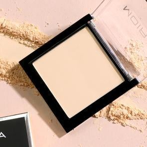 Lavish Pressed Powder by Moira