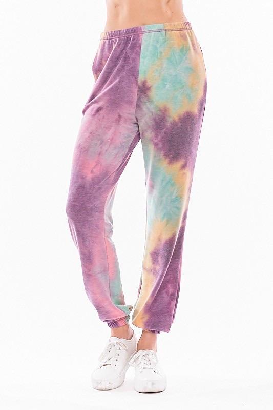 Piper Tie Dye Set by Chrysanthemum