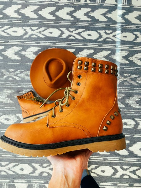 Camel Falls Perfect Studded Boot