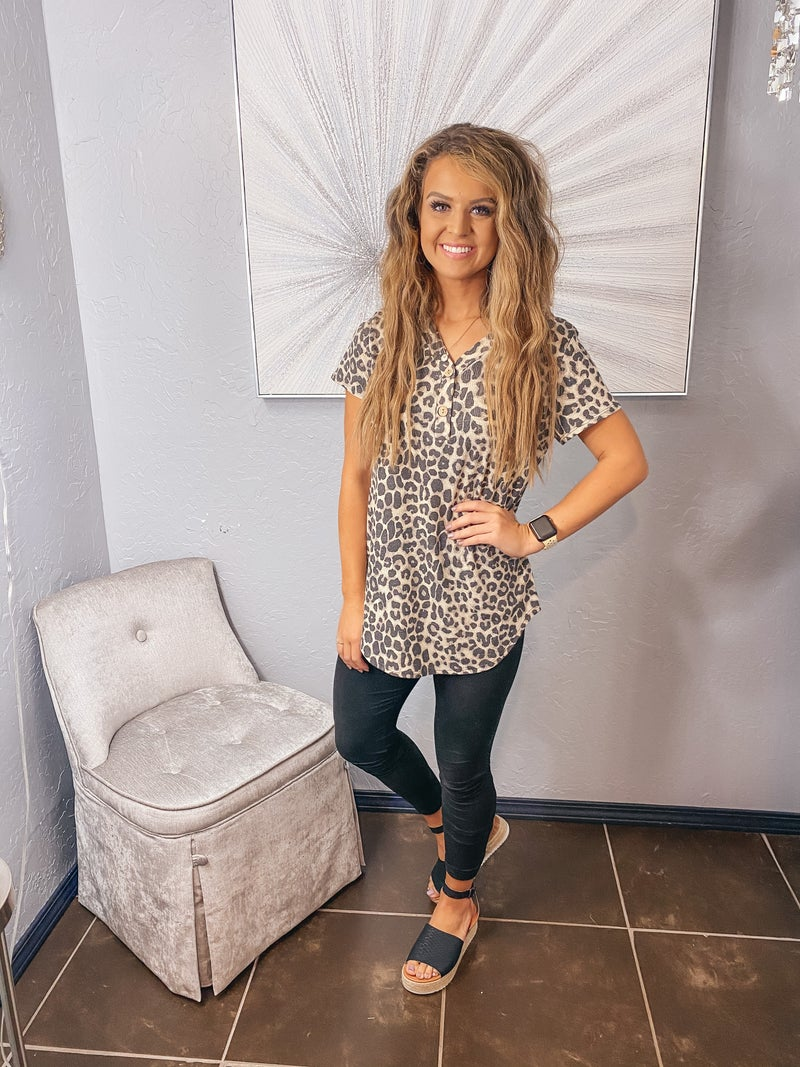 LEOPARD WAFFLE KNIT BUTTON UP