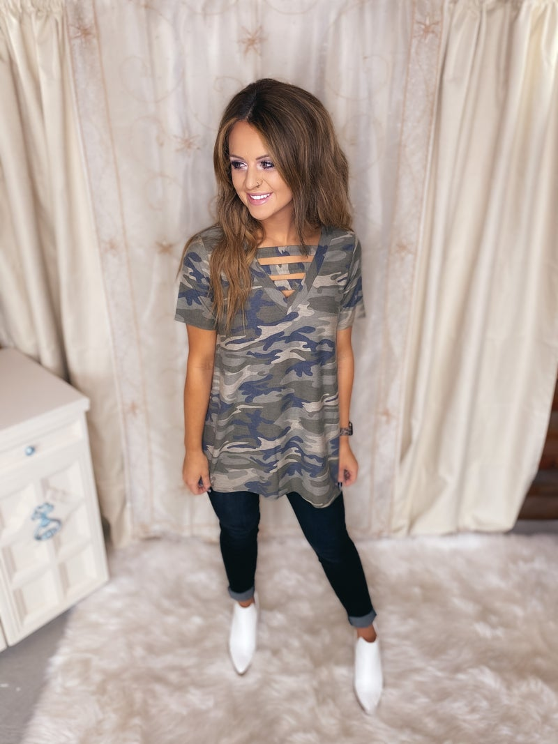 << LADDER FRONT CAMO TOP >>