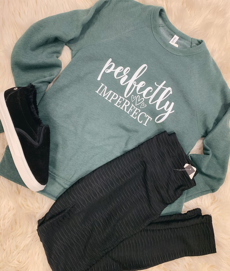 << BELLA PERFECTLY IMPERFECT PULLOVER >>