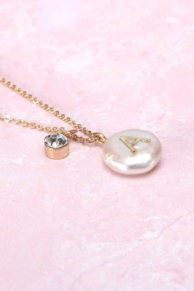 << INITIAL NECKLACE >>