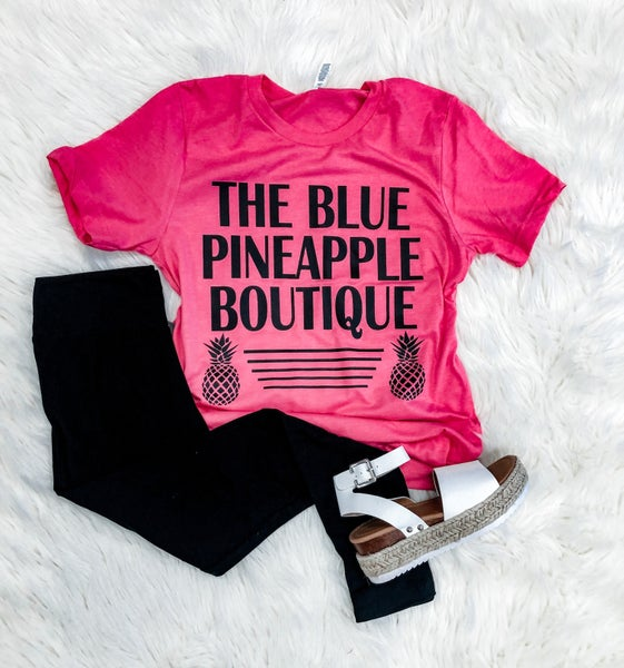 << BLUE PINEAPPLE BOUTIQUE LOGO TEE >>