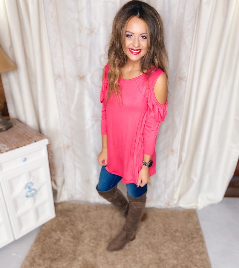 << COLD SHOULDER LONG SLEEVE RUFFLE TOP >>