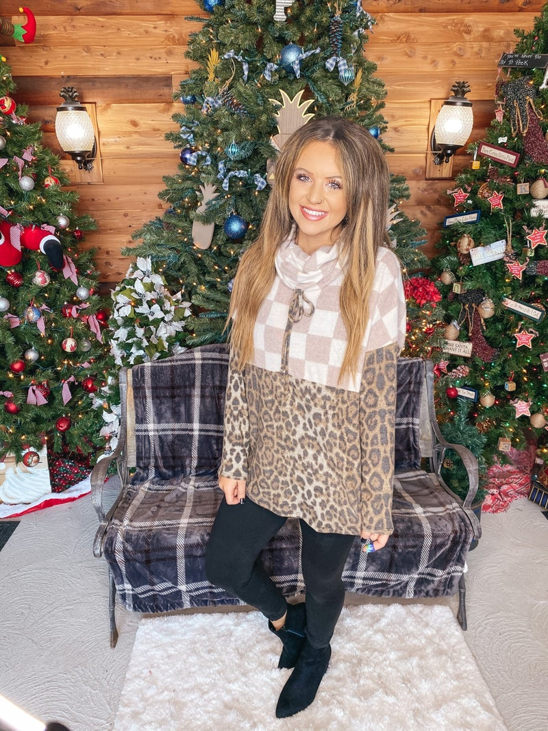 << LEOPARD AND PLAID FLEECE PULLOVER >>