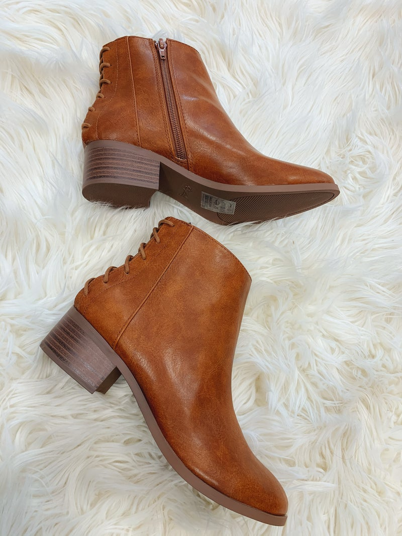 << REPEAT RUST LACE UP BOOTIES >>