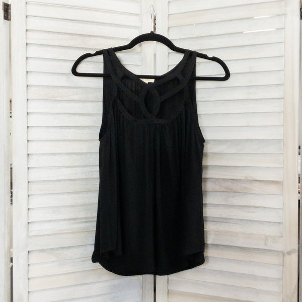 BLACK CUT OUT DETAIL LOOSE FIT TANK