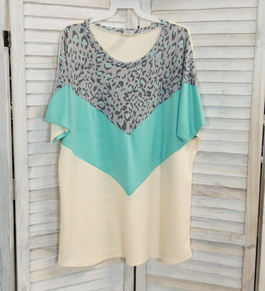 MINT CHEVRON 7TH ROY CURVY TUNIC TOP
