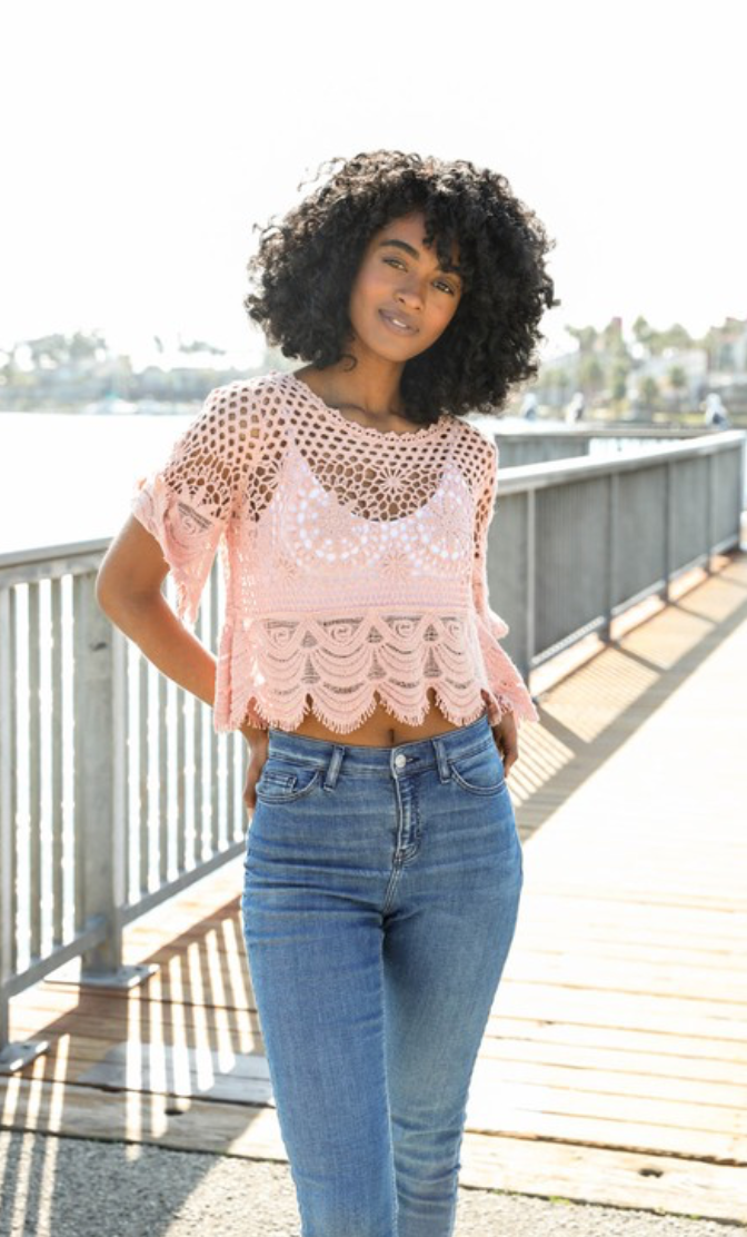CROCHET SHORT SLEEVE CROP TOP - ONE SIZE