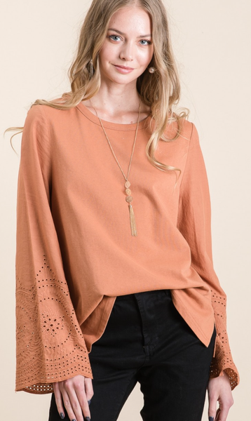WASHED COTTON CASUAL TOP WITH EYELET DETAIL SLEEVE